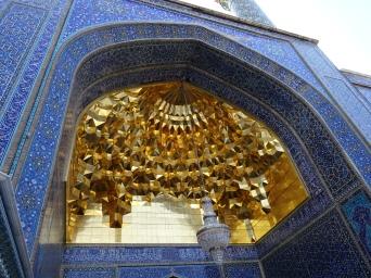 Iwan avec ses muqarnas en or